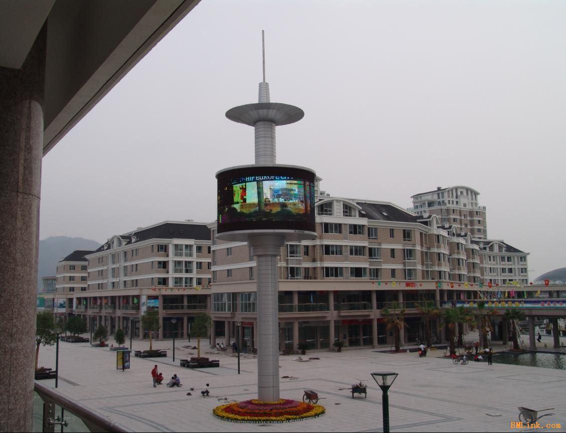 广场立体P10全彩显示屏